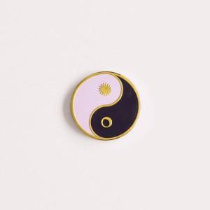 Pin Witch Amulet - Yin Yang